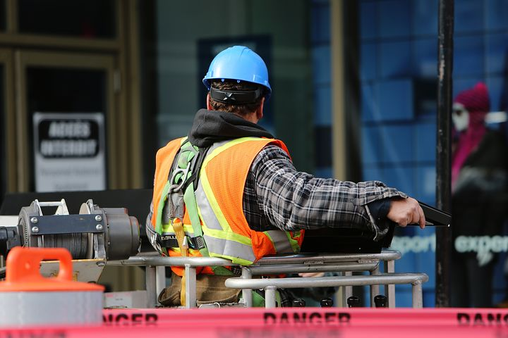 construction-worker-569126__480