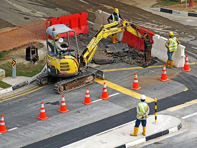 excavators-391143__480