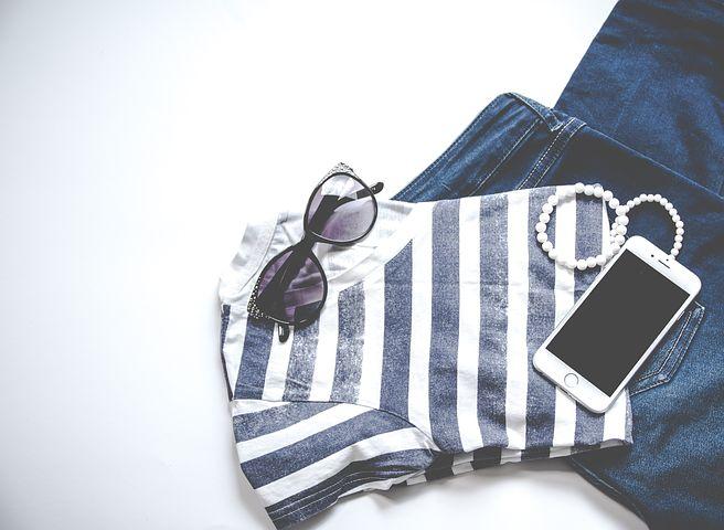clothing-3221103__480